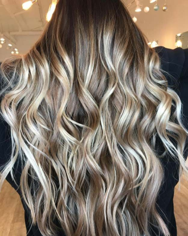 Balayage High Lights To Copy Today - Caramel Apple - Simple, Cute, And Easy Ideas For Blonde Highlights, Dark Brown Hair, Curles, Waves, Brunettes, Natural Looks And Ombre Cuts. These Haircuts Can Be Done DIY Or At Salons. Don't Miss These Hairstyles! - https://www.thegoddess.com/balayage-high-lights-to-copy