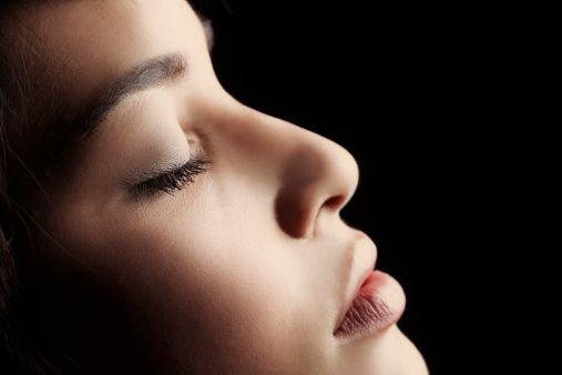 Becsukott szemek - Szerelem vagy nem