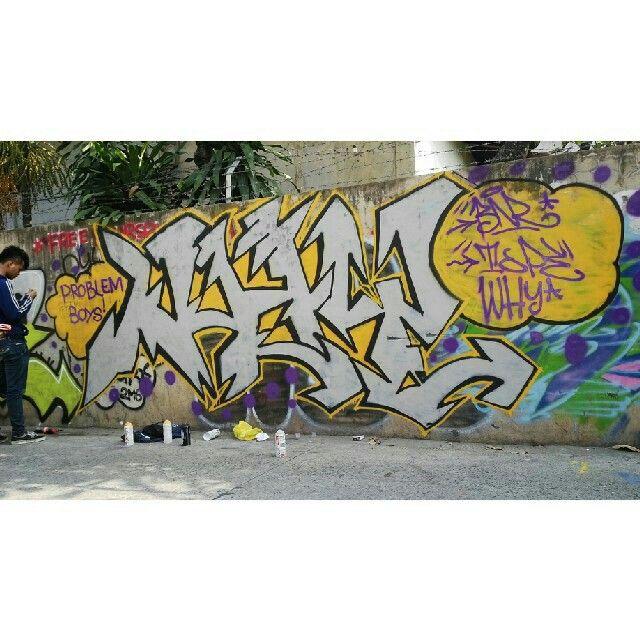 Bikinye malem karna di situ temoat orng buat parkir mobil di daerah kemang jaksel akhirnya nerusin jam 6 pagi emng orang2 alig dh #duamART #streetart #vandalism #graffiti #BNR #why