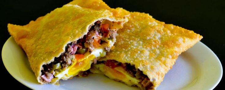 Pastelaria familiar faz melhor pastel de Curitiba que leva ovo na chapa ou cozido