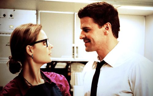Booth and Bones | Bones: Ovens Best Scene Ev, David Boreanaz Bones, Bones Fandom, Booths And Bones, Bones Memes, Bones 4X10, Bones Tv, Bones Obsession, Libraries Books