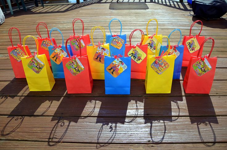 Wiggles theme kids party bags