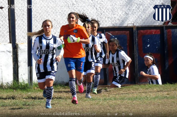 El Fútbol Femenino sumó un nuevo triunfo ante Instituto Club Atlético Talleres  El equipo de Fútbol Femenino de Talleres le ganó a la Gloria por 1 a 0 en el cotejo por la octava fecha del Torneo Oficial de la Liga Cordobesa. La T hizo las veces de local en cancha de San Lorenzo.  El encuentro comenzó con el Albiazul dominando las acciones pero poco a poco las de Alta Córdoba comenzaron a llegar con más peligrosidad al área rival.  En el complemento el partido adquirió un ritmo más intenso…