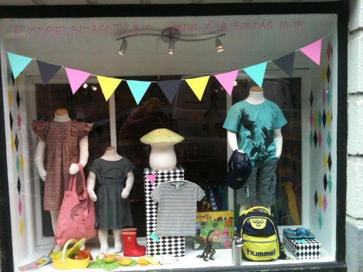Shop Window Vitrine Toy Store Childrens Clothing
