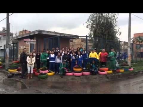 Aguas de Bogotá SA ESP la empresa del posconflicto, con sus áreas social y operativa, adelantaron el día 01 de octubre del 2015, un operativo en la Cra. 69K con calle 74B, sede B del Colegio Naciones Unidas, en el barrio Las Ferias localidad de Engativá de la capital Colombiana.