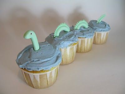 """Loch Ness monster cupcake! this would be awesome as part of a """"unsolved mysteries"""" themed party with big foot, ufo's and Nessie!"""