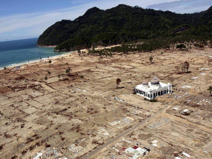 4. The Indian Ocean Tsunami—230,000 Dead