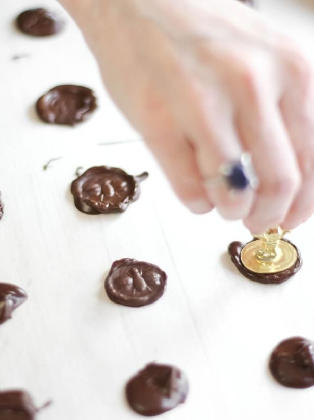 "Poured Fondant Honey Cupcakes with Chocolate ""Wax"" Seals Recipe 
