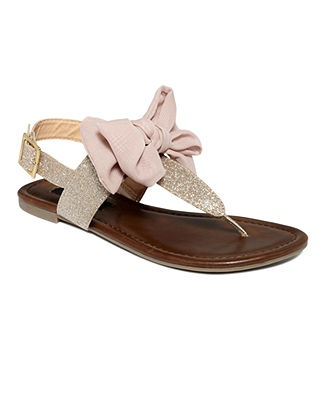 Material Girl Blush Sandals oh these are precious!: Material Girls, Summer Sandals, Swift Flats, Flat Sandals, Closet, Bows Sandals, Girls Shoes, Flats Sandals, Materials Girls