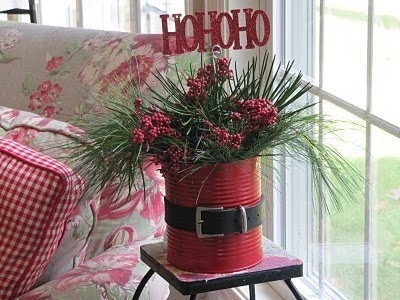 Santa Bucket. Either paint one red or use a red bucket. Just add a black belt. I love it! #Christmas2014