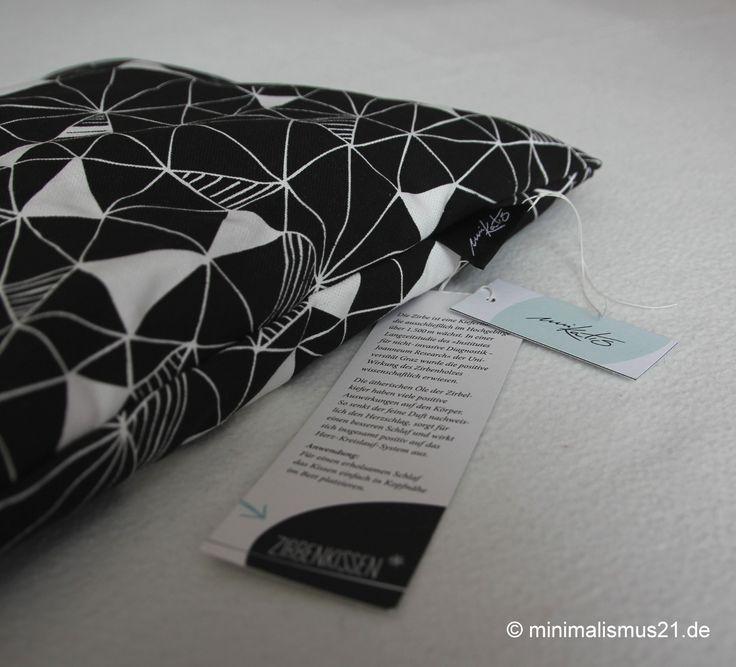 Zirbenspäne in ein Kissen gepackt: eine wunderbar duftende Angelegenheit