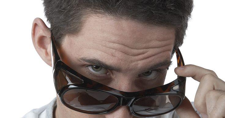 Cómo deshacerte de una uniceja permanentemente. Si tus cejas han crecido tanto que han llegado a formar una única ceja antiestética, encárgate del problema depilando el área. Mientras que la depilación puede ser un proceso incómodo, los otros métodos de eliminación de vello, como afeitarse o arrancado con pinza de depilar, tienen efectos cuya duración es corta por lo que deben hacerse más ...