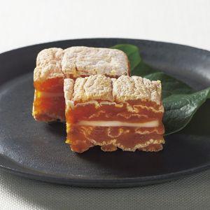 和の干し柿と洋のチーズが出会った新感覚スイーツ。【<戸田屋>市田柿フロマージュ】