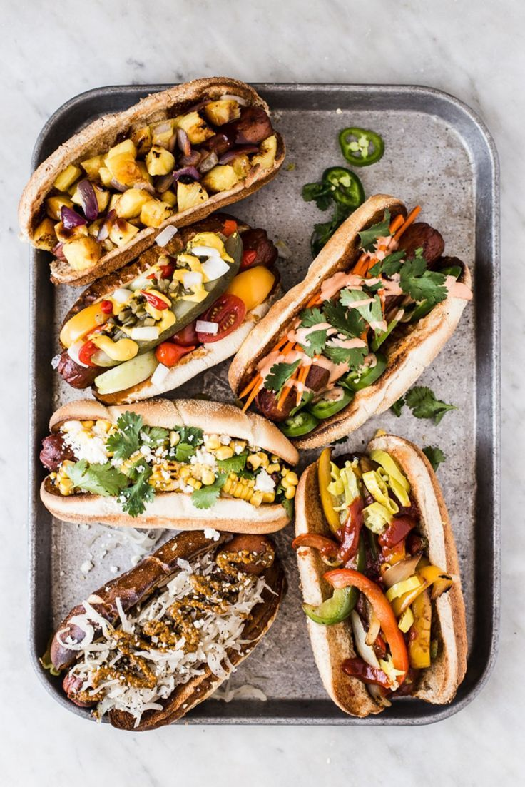 The Perfect Hot Dog Toppings Take the stress out of summertime entertaining with a host's best friend, the ultimate hot dog toppings bar. Gourmet Hot Dogs, Mango Chutney Chicken, Hot Dog Toppings, Burger Toppings, Beste Burger, Hot Dog Bar, Big Hot Dog, Dinner Entrees, Dog Recipes