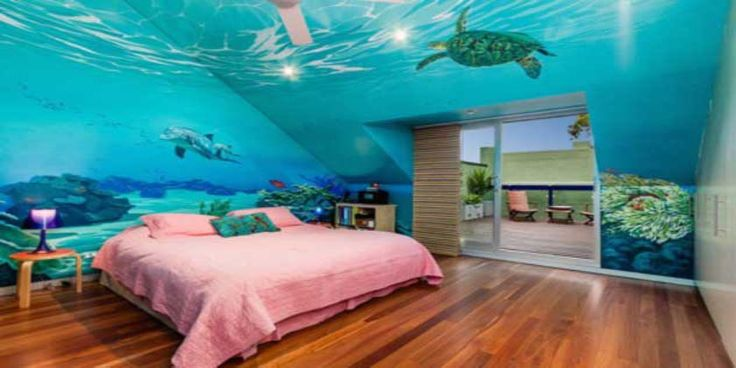Create an under the water theme in your child's room. You can make this as scary or fun as you want, but incorporate everything into the design. Get creative, and show your artistic side, by painting an underwater mural on the wall. Don't forget to include seaweed, and creatures that you are likely to find. If you have a particularly adventurous child, you can even paint a scary shark on their wall.