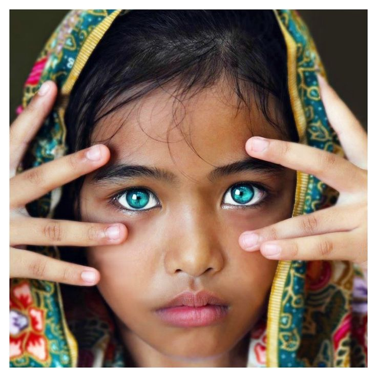 13 People with the Most Striking Eyes in the World