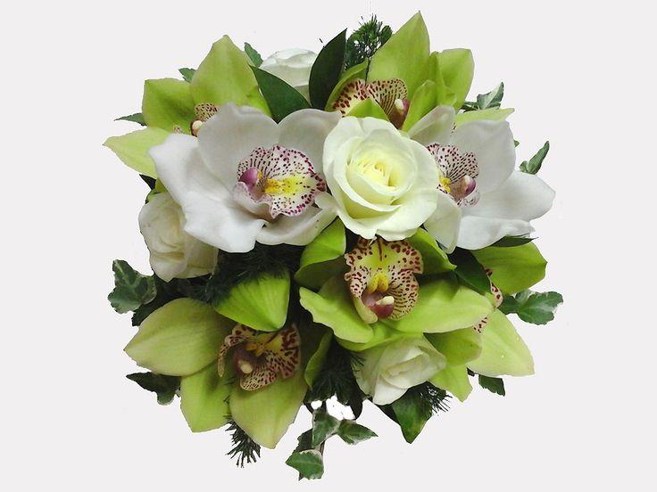 Bouquet da sposa di Rose bianche e Orchidee Cymbidium di colore bianco e verde - Hand bridal bouquet of Cymbidium Orchid white and green and white Roses