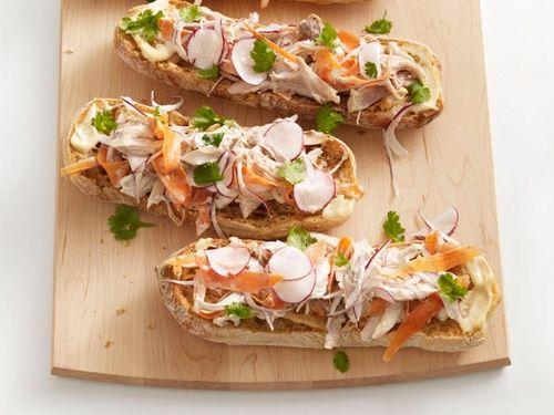 Открытые сэндвичи с курицей по-вьетнамски
