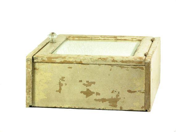 La médecine Vintage armoire salle de bain par BridgewoodPlace