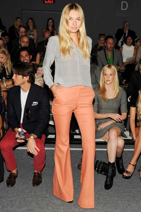 20120925-060811.jpg: Wide Legs Pants, Colors Pants, Coral Pants, Fashion Week, Street Style, Jessicahart, Peaches Pants, Jessica Hart, Wide Legs Trousers