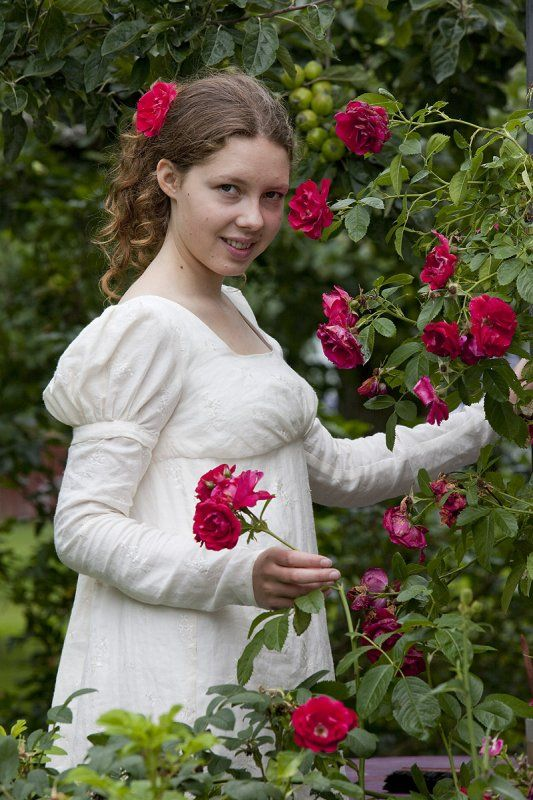 Sense & Sensibility Patterns has some gorgeous (and highly recommended) Regency patterns, and I wants them.  All of them.