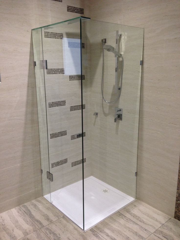 #BellaVista #Glass #Frameless #ShowerScreen #FramelessShowerScreen #Bath #Bathroom #BathroomInspiration #Inspiration #DIY