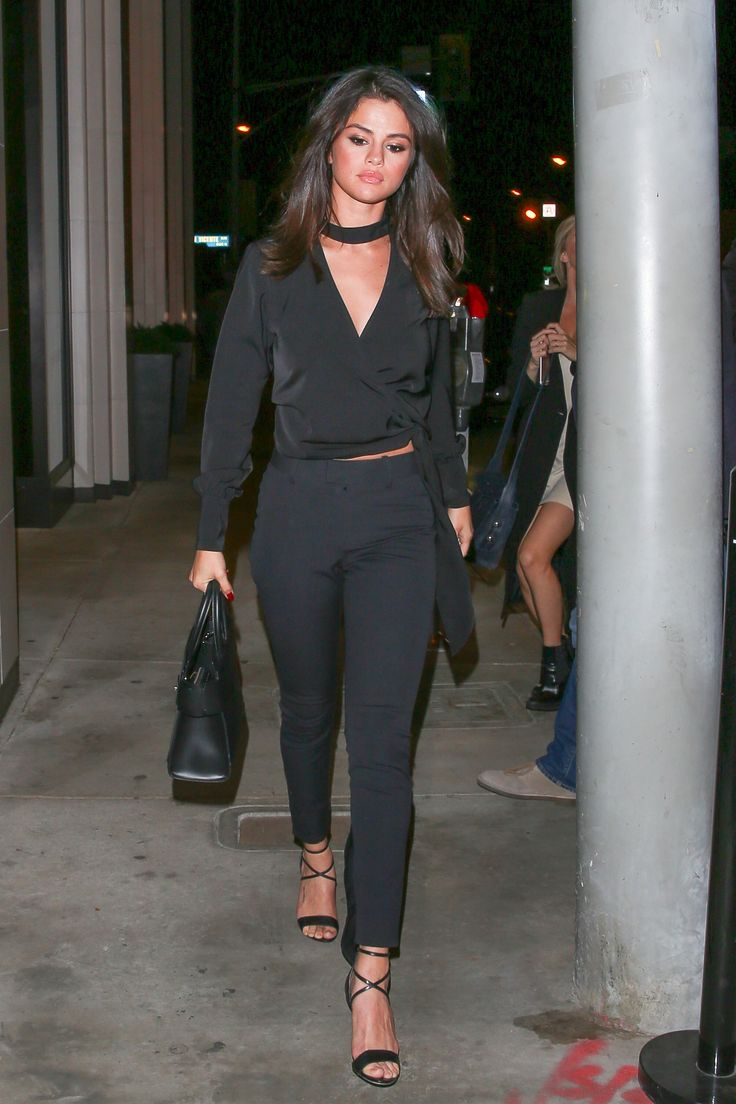 Selena Gomez wears all black at the Catch LA Restaurant. December 4, 2016.