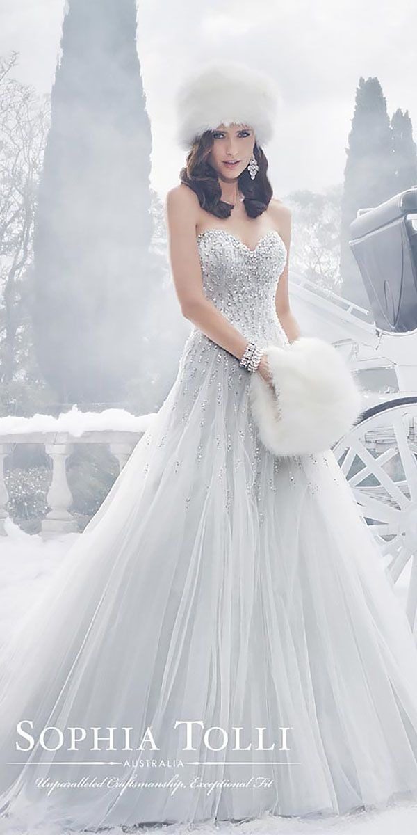 24 Winter Wedding Dresses Amp Outfits Winter Weddings