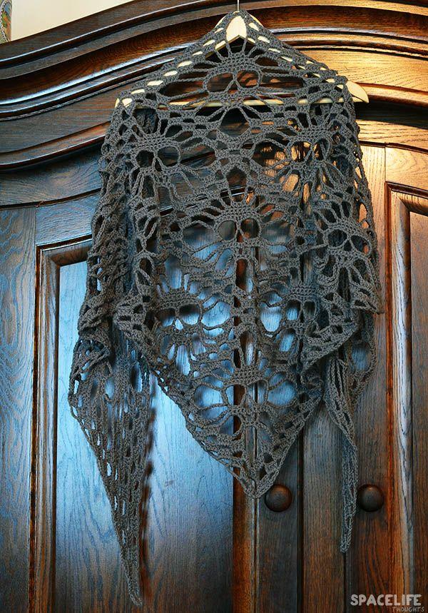 DIY: Crochet Skull Scarf