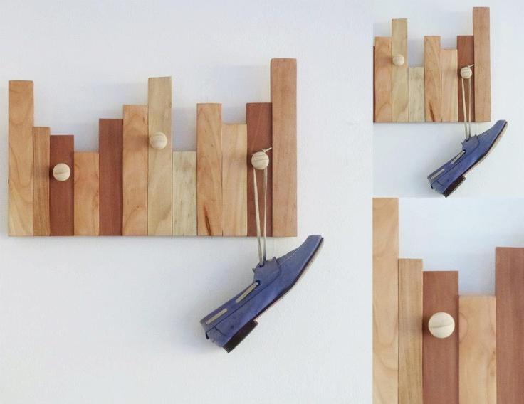 Descripci n percheros elaborados con listones de madera for Colgadores de madera