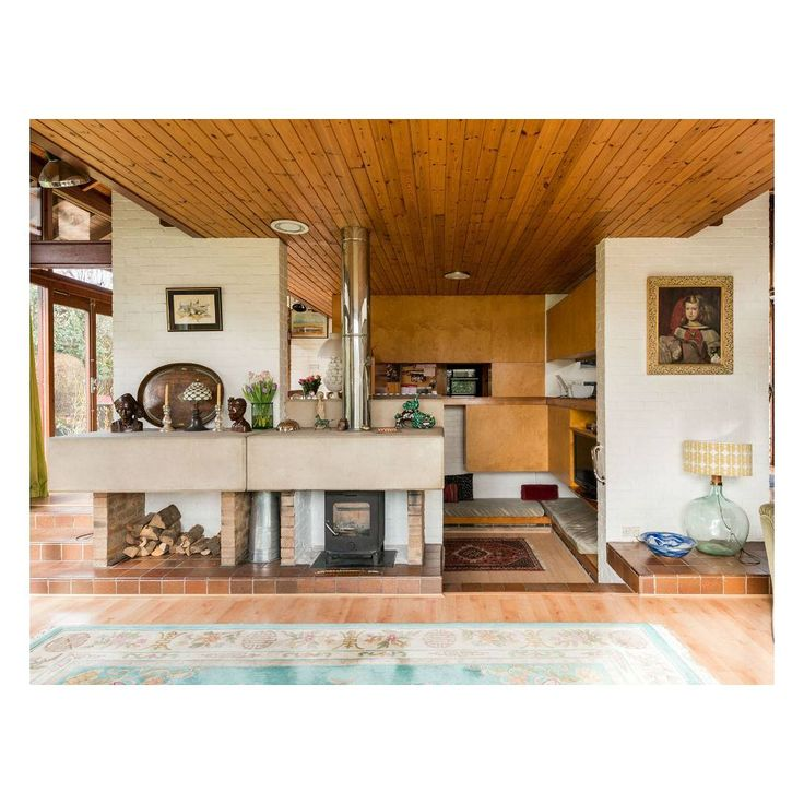 TODAY AT THE MODERN HOUSE ... Christmas Barn: a 1970s village house for private contemplation and grand entertaining  Follow the link in our profile for more details.  #histon #cambridge #cambridgedesigngroup #davidthurlow #seventies #1970s #70s #themodernhouse #modernhouse #design #architecture #house #home #dreamhome #dreamhouse #architect #architecturelovers #archidaily #architexture #archilovers #designinspiration #interiordesign #interiorinspiration