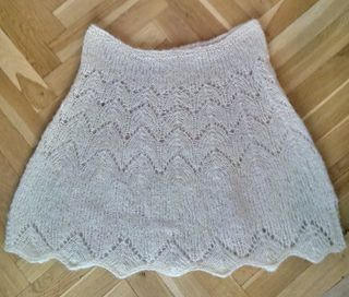Poncho made from Drops Brushed Alpaca Silk. Drops Pattern.