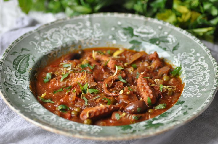 Maltese Octopus stew - Maltese recipes, Maltese Cuisine, Maltese Food. Recipe found : http://www.amaltesemouthful.com/?page_id=79