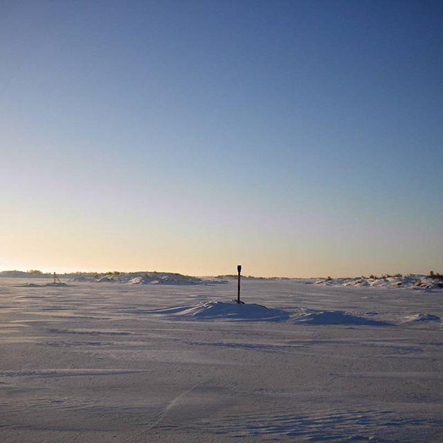 No, this image is not from the Moon. It is open sea - frozen one, north of Kökar in the archipelago of Åland Islands. #discoverarchipelago #archipelago #sea #island #visitaland #visitfinland #visitarchipelago #scandinaviantravels #MagnificentScandinavia #passionpassport #theglobewanderer #discoverearth #earthpix #earth_shotz #briskoutdoors #adventurevisuals #adventureanywhere #lonelyplanet #guardiantravelsnaps #bbctravel #huffpostgram #awesomeearth #wilderness #naturephotography #landscape