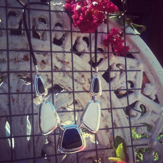 VINTAGE BLACK & WHITE 1060s mod style resin necklace by thelostproperty, $15.50