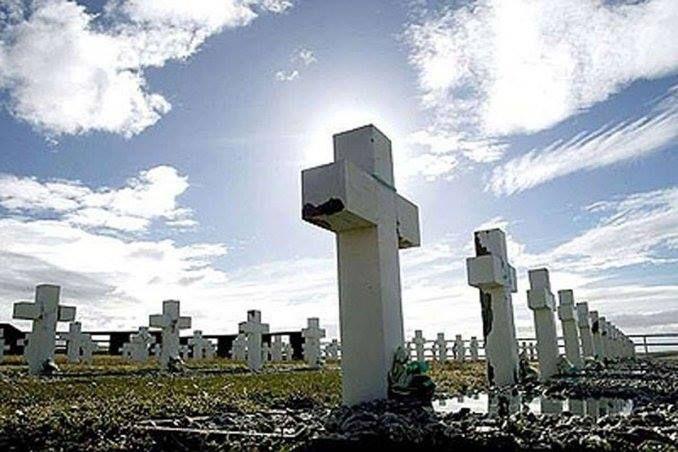 Malvinas Argentina e Inglaterra avanzan en la identificación de los soldados caídos #Live Minutouno.com http://www.minutouno.com/notas/1493014-malvinas-argentina-e-inglaterra-avanzan-la-identificacion-los-soldados-caidos?utm_source=757live.co&utm_medium=facebook