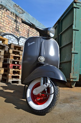 RETRO SCOOTER GARAGE: Vespa VBB custom