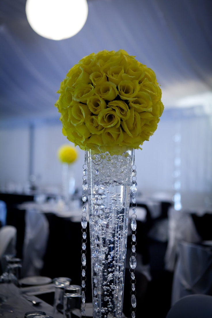 22 best Kissing Ball Centerpieces images on Pinterest | Kissing ...