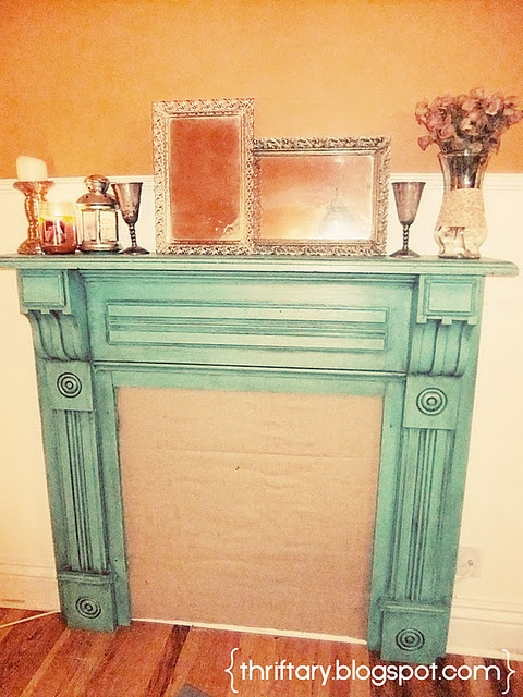 AHH! Exactly what I want for the fireplace in my apartment. Now... where to find an antique mantle..