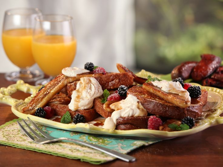 Bananas Foster French Toast with Whipped Cream Cheese Recipe : Bobby Flay : Food Network - FoodNetwork.com