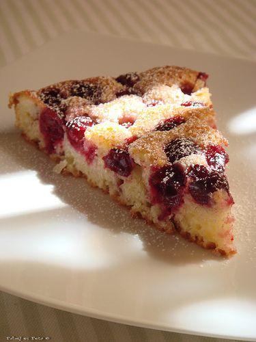 fahéj és feta: Pillekönnyű joghurtos-meggyes pite