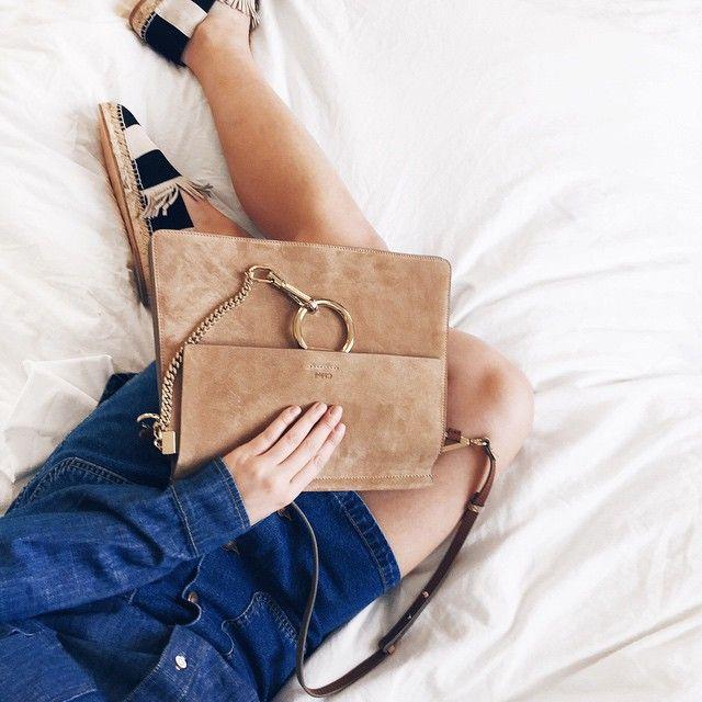 La borsa che sta facendo impazzire tutte le blogger.  Photo by mija_mija  #chloe #faye #fashionblogger