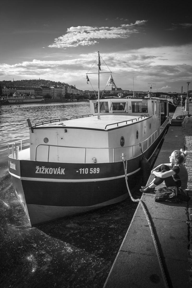 https://flic.kr/p/HBqv2H | Po boučce | Praha Vltava