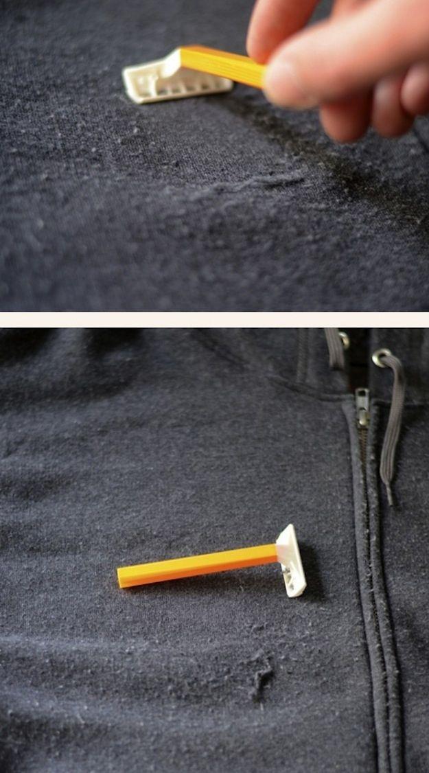 Un rasoir Bic pour enlever les peluches.