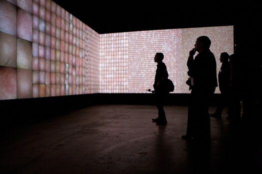 "Rafael Lozano-Hemmer, ""Pulse Index"", 2010."