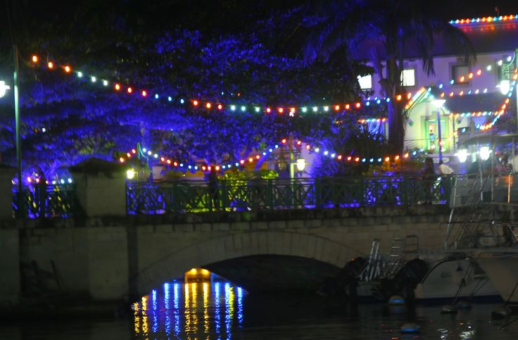 If you're visiting Barbados in November be sure to head into Bridgetown at night to see the capital city lit up in our national colours (blue & gold) as we celebrate Independence