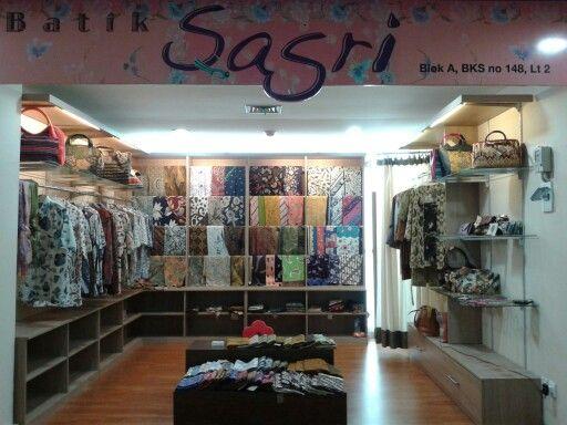 batik sasri : pasar mayestik blok A  No 148 lt2