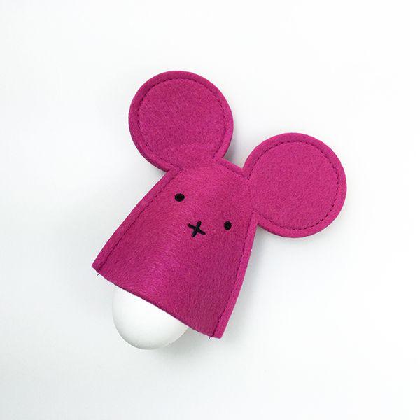 Felt egg warmer - berry colour mouse