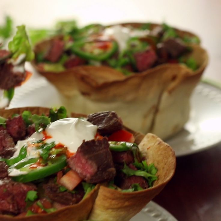 This steak bowl is zesty and ready to party in your mouth.
