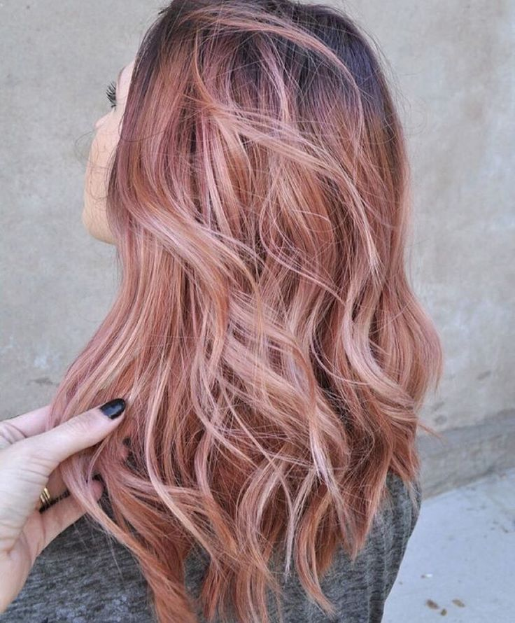 """Thoughts on the Rose Gold trend for hair color? Are you for it? ✨ #trending #haircolor #rosegold #rosegoldhair"""